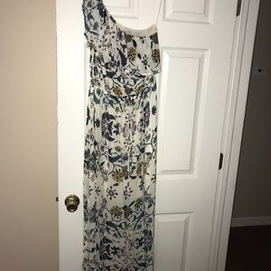 Small floor length dress PERFECT for wineries!